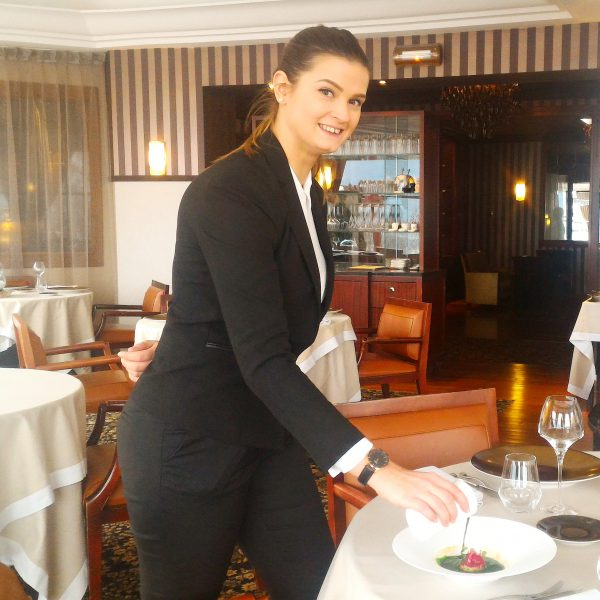 Menu Club avec en entrée tartare de Féra du lac d'Annecy - Restaurant La Rotonde des Trésoms